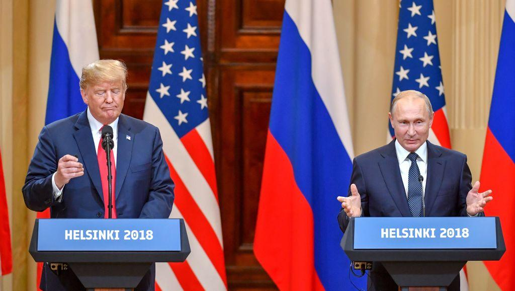 """Trump plays """"into Putin's hands"""" by discussing NATO withdrawal, former national intelligence director warns https://trib.al/q2lrC0D"""