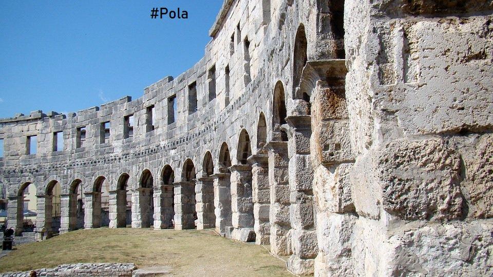 Gruppo C - #U21EURO #Croazia: Il monumento simbolo è sicuramente la famosissima Arena di Pola! L'Arena di Pola è il sesto anfiteatro più grande al mondo. Venne costruita tra il 2 a.C. ed il 14 d.C. sotto l'imperatore Augusto. #weareyourope #eurou21 #tifiamoeuropa #under21 #U21