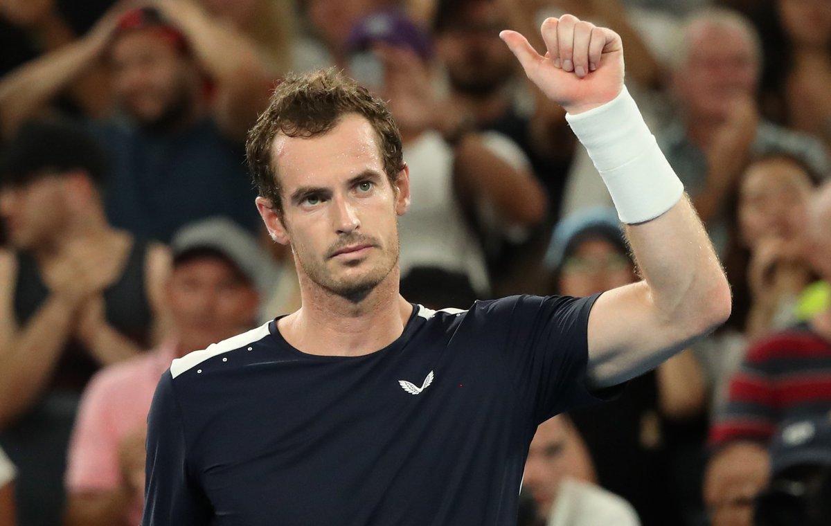 Merci Andy pour toute ta carrière, tu nous aura fait vibrer jusqu&#39;au bout très bonne retraite à toi. Pour rappel, @andy_murray a dit stopper sa carrière après l&#39;open d&#39;Australie.   Il s&#39;est fait éliminé au premier tour contre @BautistaAgut.   Bravo pour ta carrière... <br>http://pic.twitter.com/kIWXkU5DrX
