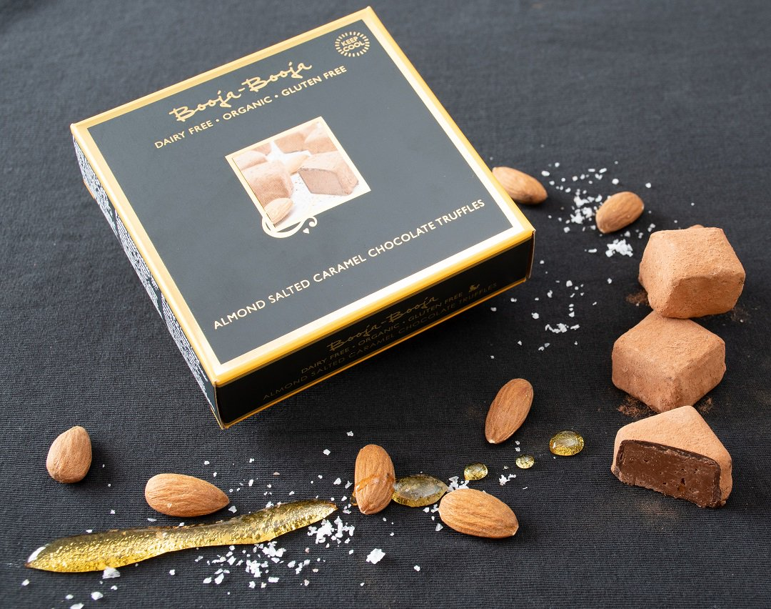 GIVEAWAY! We&#39;re halfway through #veganuary &amp; to celebrate we&#39;re giving away 2 of our new 9 Truffle Boxes of Almond Salted Caramel Chocolate Truffles. RT tagging someone you&#39;re feeling the love for this January &amp; you could be one of our lucky winners! Ends Mon 21st #win #veganuary <br>http://pic.twitter.com/hBZ2N45DI3