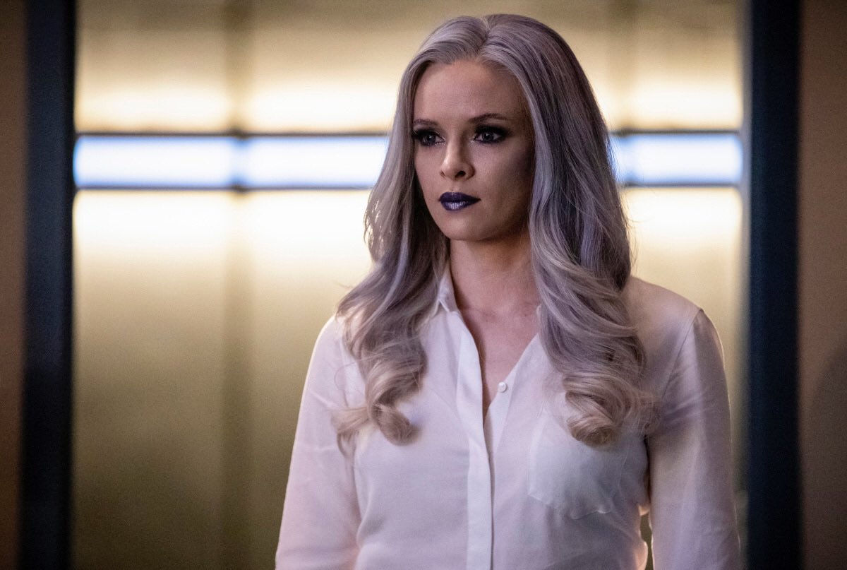 The first episode of 2019 airs tonight! So excited to share this journey with you all into another new year! 🙌🏼⚡️@CW_TheFlash #TheFlash