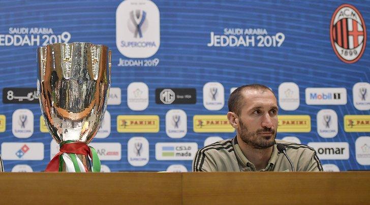 🇮🇹 #Chiellini: «#Attenzione a #Higuain. #Ronaldo? E' molto concentrato» ➡️ https://bit.ly/2QRFMqL  🇬🇧 #GiorgioChiellini: 'How to neutralise #GonzaloHiguain' ➡️ https://bit.ly/2srYxHp  #JuveMilan #SupercoppaItaliana #Jeddah #ArabiaSaudita #SaudiArabia #SupercoppaTIM #Juventus