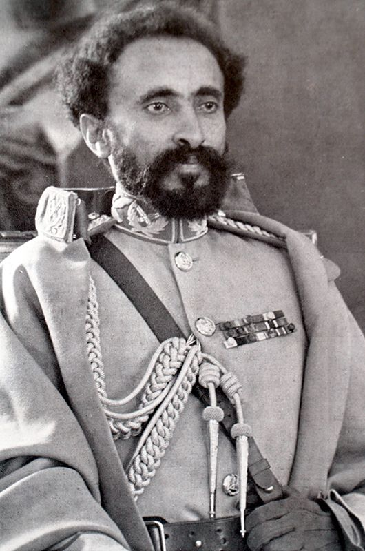 "Live tweets from 1942 on Twitter: ""Ex-Emperor Haile Selassie is back in Ethiopia, with British Army, to spur national revolt against Italian occupiers of his former kingdom.… https://t.co/DTyTQ7CwOx"""