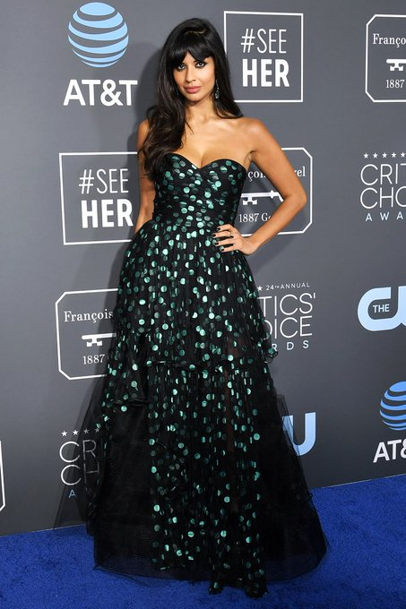 .@jameelajamil looking forking great in @OscardelaRenta for the #CriticsChoiceAwards: Photo