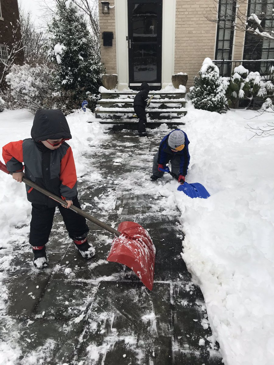 If <a target='_blank' href='http://twitter.com/hearstes'>@hearstes</a> needs some help with snow removal then just call the <a target='_blank' href='http://search.twitter.com/search?q=fabulousflamingos'><a target='_blank' href='https://twitter.com/hashtag/fabulousflamingos?src=hash'>#fabulousflamingos</a></a> <a target='_blank' href='http://search.twitter.com/search?q=hardatwork'><a target='_blank' href='https://twitter.com/hashtag/hardatwork?src=hash'>#hardatwork</a></a> <a target='_blank' href='http://search.twitter.com/search?q=snowday'><a target='_blank' href='https://twitter.com/hashtag/snowday?src=hash'>#snowday</a></a> <a target='_blank' href='http://search.twitter.com/search?q=snurlough'><a target='_blank' href='https://twitter.com/hashtag/snurlough?src=hash'>#snurlough</a></a> <a target='_blank' href='https://t.co/Va9vFXfC4b'>https://t.co/Va9vFXfC4b</a>