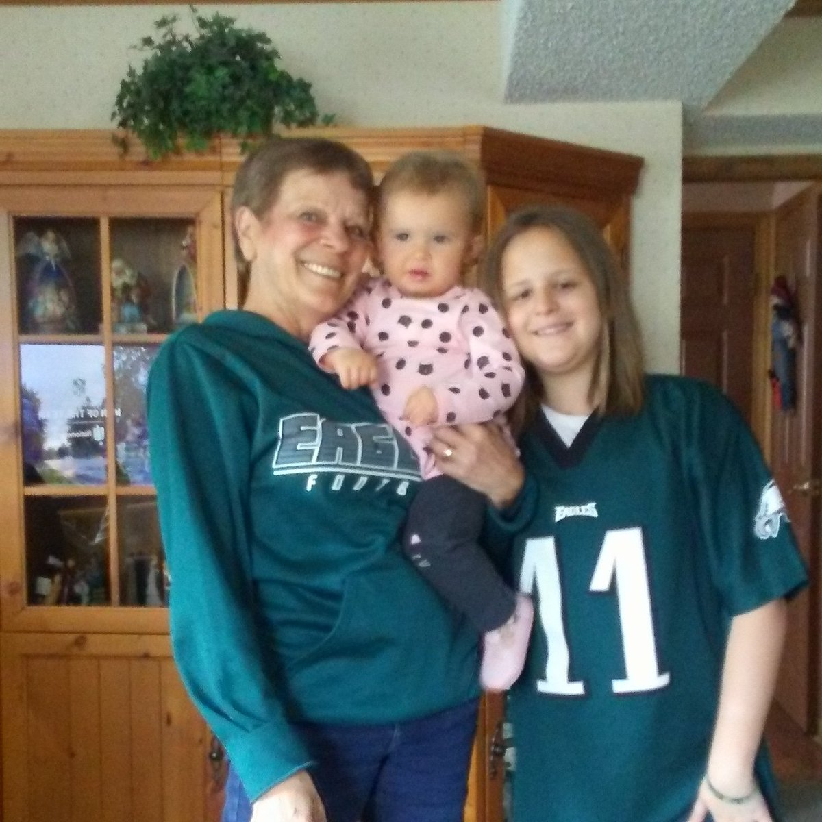 #Fox29GoodDay go eagles from Grammy Alyssa n Maddie <br>http://pic.twitter.com/CLI9PgzBeH