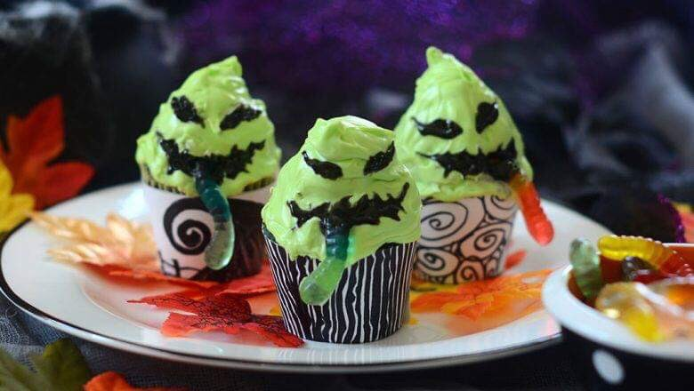OOGIE BOOGIE Cupcakes via D23. #GhastlyGastronomy <br>http://pic.twitter.com/qUb6MjmDck