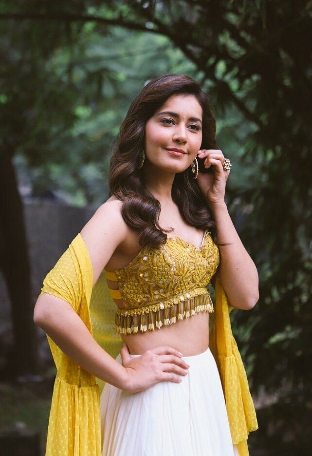 Raashi Khanna shooting cancelled - 12 Lakhs compensation