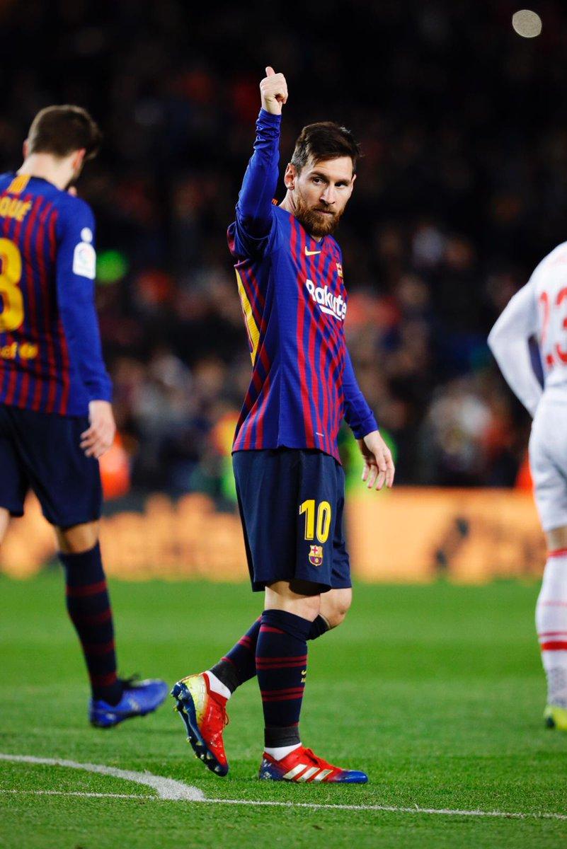 👑 Leo #Messi 👽 4⃣0⃣0⃣ gols na @LaLiga 👍  🔵🔴 #ForçaBarça