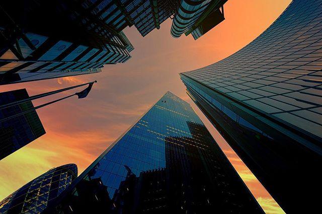 The Scalpel in London 🌆 . . . Follow us: earth_trippers . #london #london_city_photo #londonlandmarks #architecture #architecturephotography #skyscraper #skyscrapper #sunset #wideangle #scalpellondon