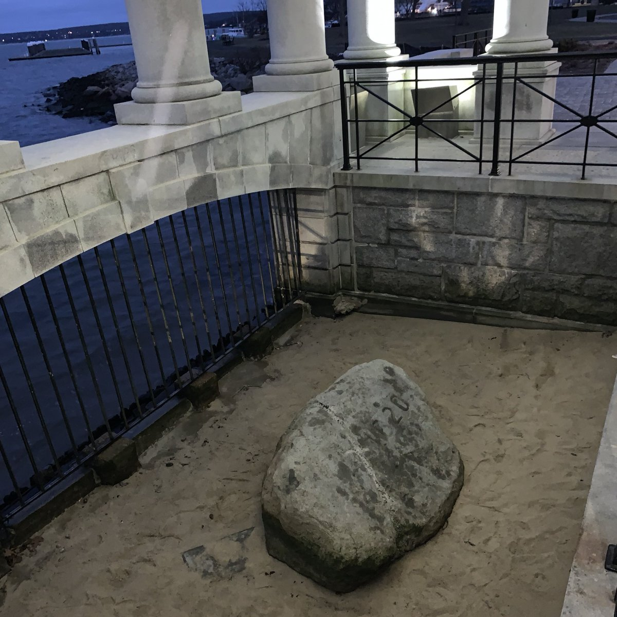 Bruh THIS is Plymouth Rock?!?!?