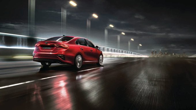 Take to the road in confidence with the 2019 #KiaForte's improved handling qualities. Whether you're cornering at speed, or decelerating as you approach a red light, you'll feel in complete control. Learn more: Foto