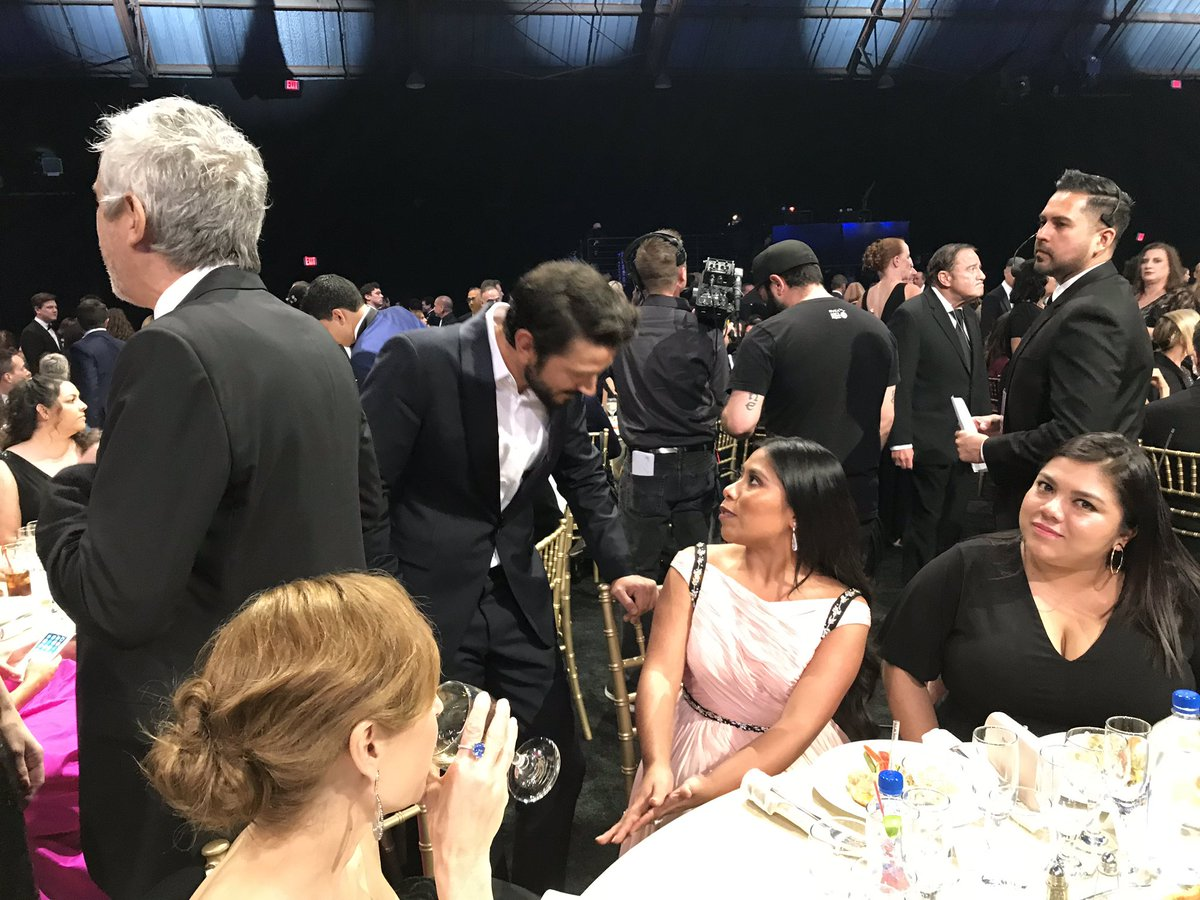 Diego Luna greets Yalitza Aparicio of Roma at #CriticsChoice2019 https://t.co/Njo5T5bbxa