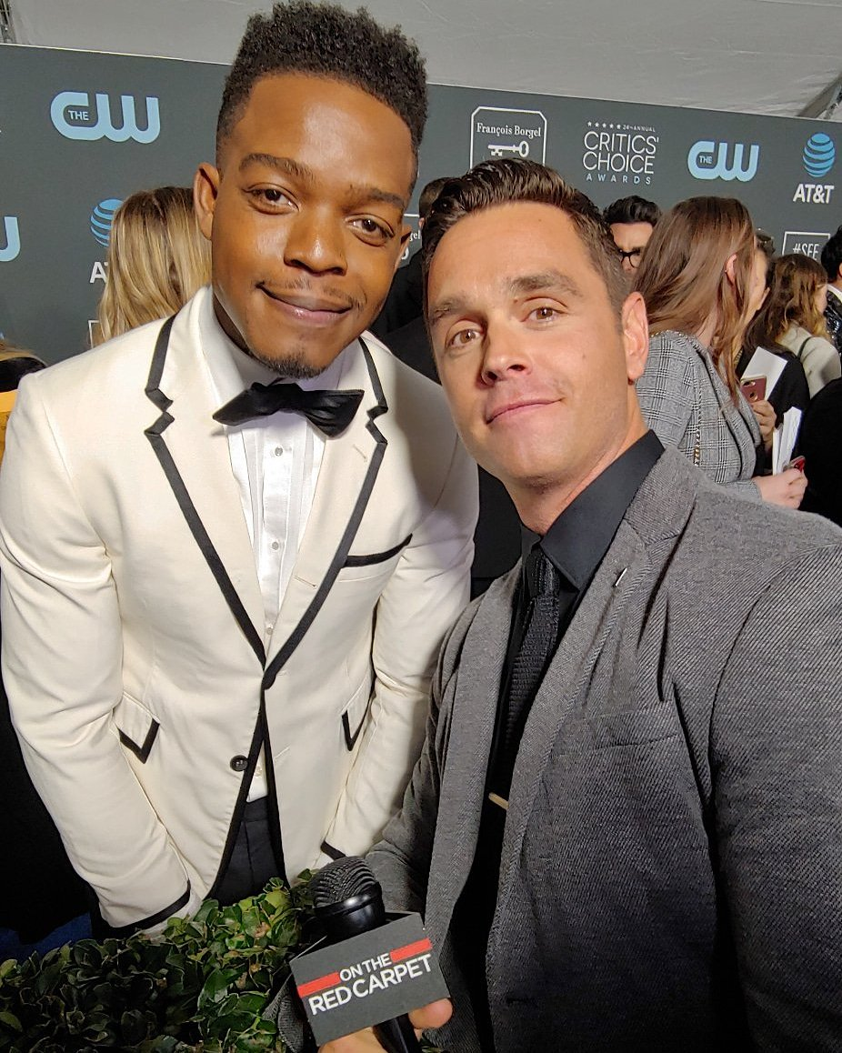 @HomecomingTV star #stephanjames poses with @otrc host @karljschmid at @criticschoice awards.  #criticschoiceawards #criticschoice