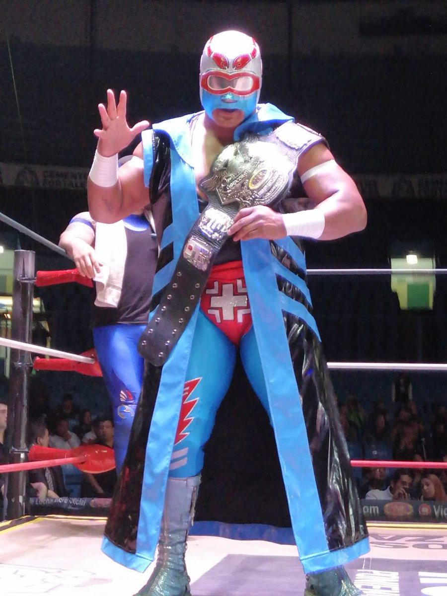 CMLL: Stuka Jr. defiende su cinturón en gran lucha 3