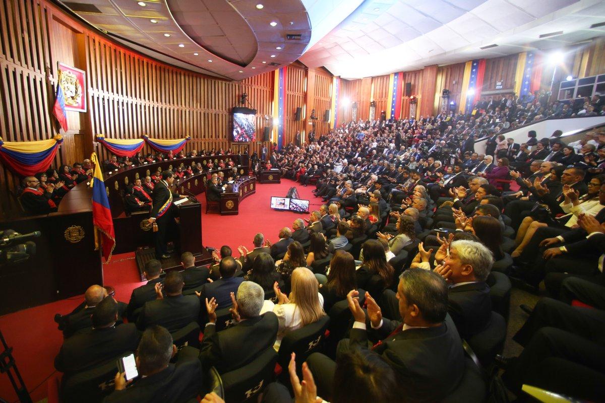 Tag hoy en El Foro Militar de Venezuela  Dw1QmSzX0AIGbEJ