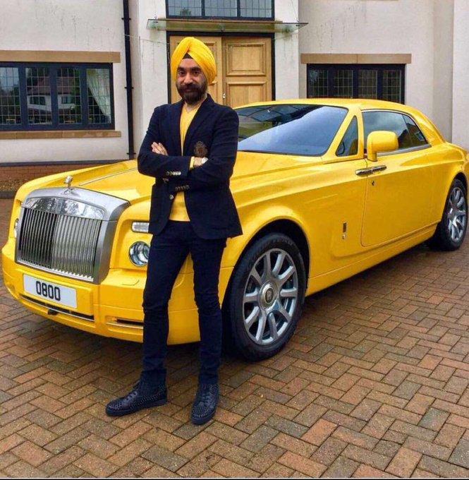 #اول_سياره_لك يقولكم رجل أعمال هندي عنده لكل لون عمامه روز رايز👳🏿♀️.. صورة فوتوغرافية