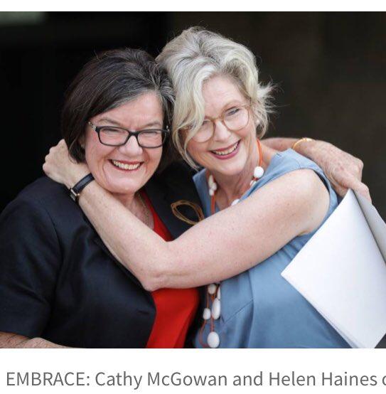Cathy McGowan @Indigocathy passes the Indi baton to the next Independent Orange candidate for Indi @HelenHaines1 Photo