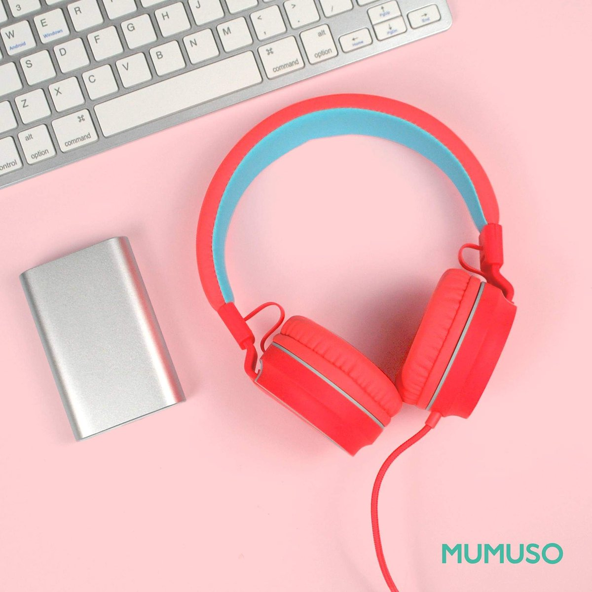 Jump start your day by listening to your favorite song! 😄🎧🎶  #Mumuso