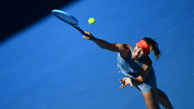 Maria Sharapova has become the first player warned under the new serving clock rule at the Australian Open. ➡️ #AusOpen Photo