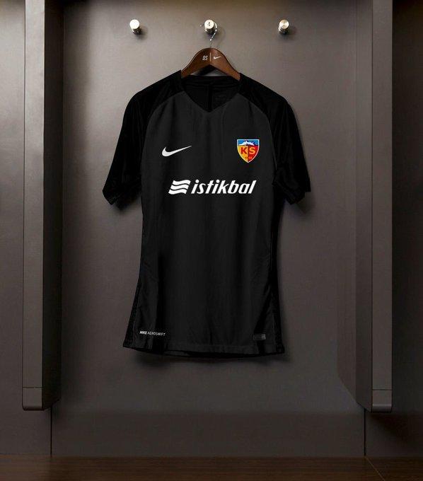 Kayserispor'un isim sponsoru 3 yıl süreyle İstikbal Mobilya oldu. Fotoğraf