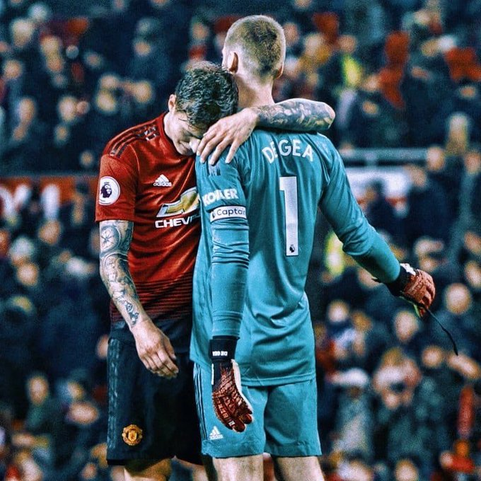 Ole has his 6th win in a row. Lindelof is the best CB right now in the squad, Rashford going levels above himself day by day, Pogba answers his critics every game but DeGea man, DeGea is just himself as the best goalkeeper in the world. #GGMU #MUFC Photo