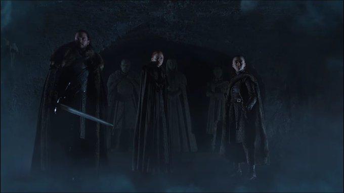 ทีเซอร์ Game of Thrones Season 8 ถูกปล่อยออกมาแล้ว เป็นการรวมตัวของสามพี่น้อง จอน สโนว, ซานซ่า และ อาร์ยา (แบรนหายไปไหน) #GameOfThrones Photo