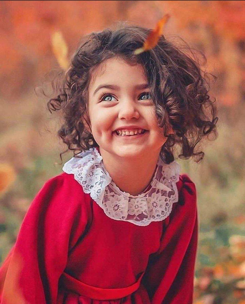 إلى كل شخص غابت الابتسامة عن وجهه وليس لع من يقدره ويفرحه ...أرجوك ابتسم فأنا أقدرك كثيرا وأتمنى لك السعادة الدائمة....💌🦋📸🎞📽