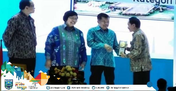 Untuk kesekian kalinya, Kota Kraksaan sebagai Ibu Kota Kabupaten Probolinggo kembali meraih penghargaan Adipura untuk kategori Kota Kecil. Photo