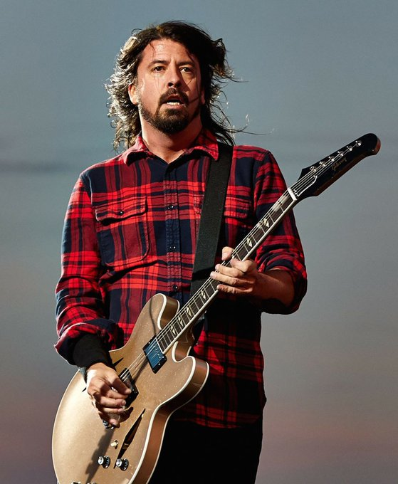 #DaveGrohl Born on this day 14th January 1969, David Eric Grohl, singer, songwriter, record producer, multi-instrumentalist, and film director. He is the founder, front man, lead vocalist, rhythm guitarist and primary songwriter of @foofighters since 1994. Foto