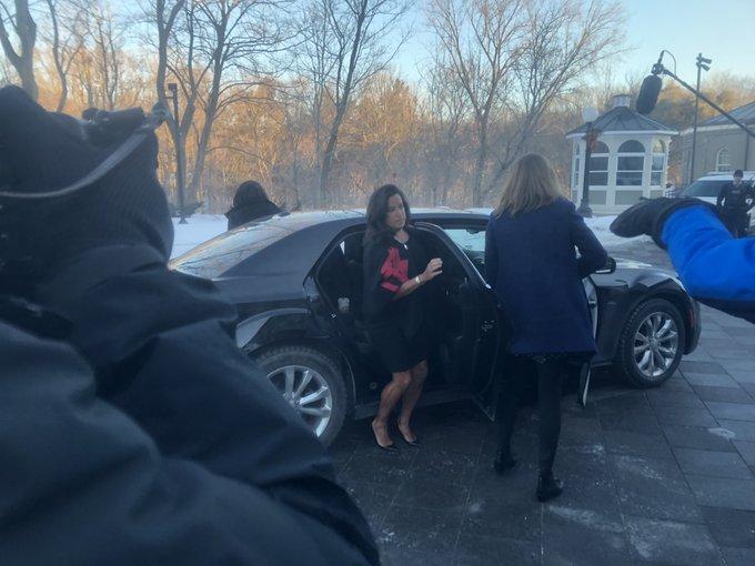 Remaniement: @Puglaas arrive à Rideau Hall. Elle était jusqu'à présent ministre de la Justice #polcan Photo