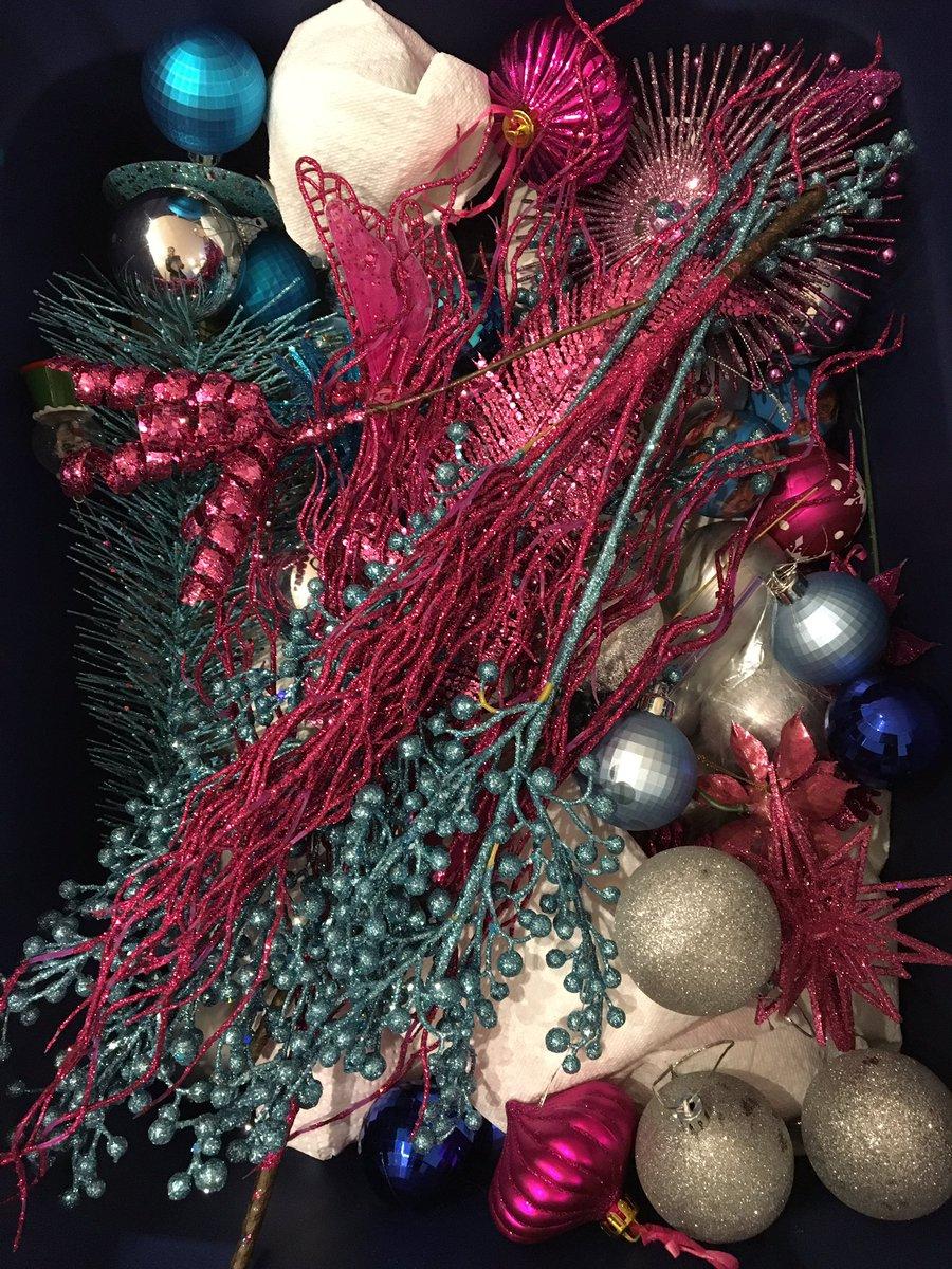 Finally all put away! Until next year... #holidaysareover #angeladipadovainteriors #torontointeriordecorator<br>http://pic.twitter.com/VGg2qJRUMa