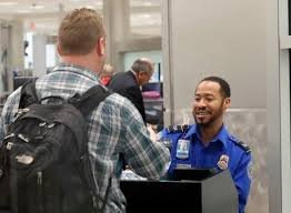 Unpaid airport screening agents to get a day's pay and $500 bonus during shutdown