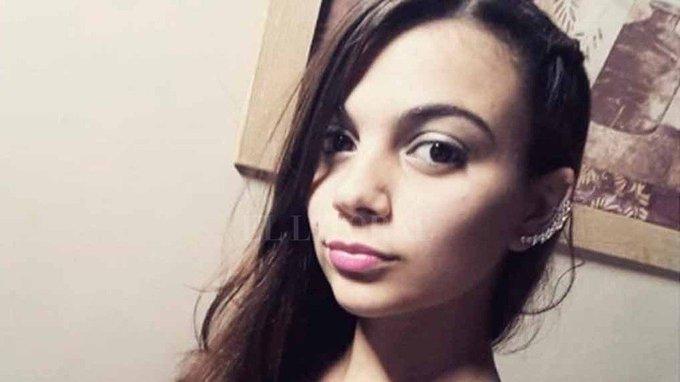 Santa Fe Desesperada búsqueda de una chica de 17 años: la vieron por última vez a la salida de un boliche Agustina Imvinkelried está desaparecida desde el domingo a la madrugada. Había ido a bailar a un boliche en la ciudad de Esperanza. Foto
