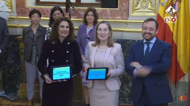 📺DIRECTO | María Jesús Montero entrega Ana Pastor el proyecto de Presupuestos Generales del Estado Síguelo aquí Foto