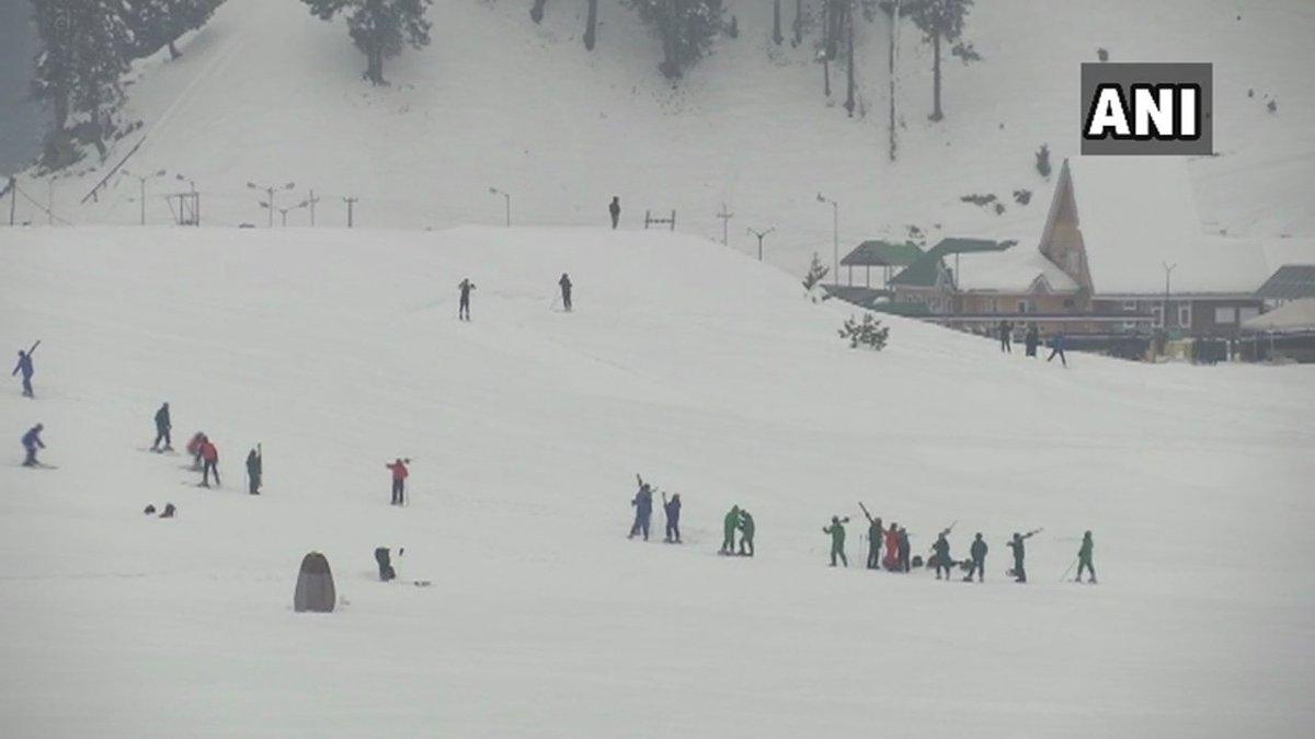 Jammu & Kashmir: Latest visuals from Gulmarg #snowfall