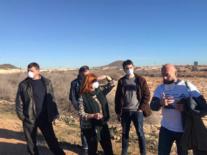 Este terreno es, según el @CSN_es , uno de los puntos negros de la radioactividad en España. Es el Hondón y está en Cartagena. Después de años sin actuaciones, el @AytoCartagenaES lo ha comprado a un banco y pretende un nuevo pelotazo urbanístico. Foto