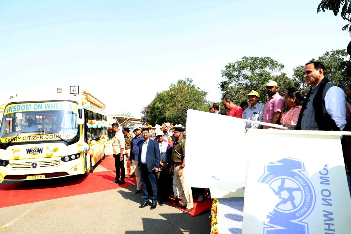 #WOW (Wisdom on Wheels🚍) project inaugurated & flagged off by the hands of Hon'ble @CMOGuj sir.The key areas for deliverables are #health, #hygiene, #education and #skillDevelopment.