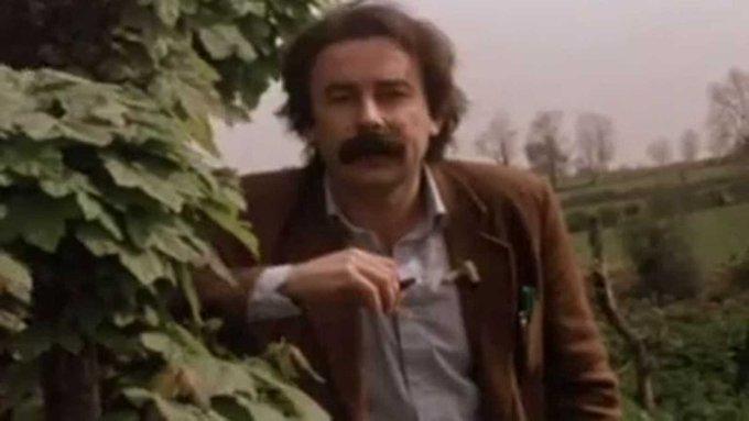 Ha muerto Juan Cueto. Recuperamos del @ArchivoRTVE este paseo de la mano del escritor ovetense por su tierra, por el Principado de Asturias Foto