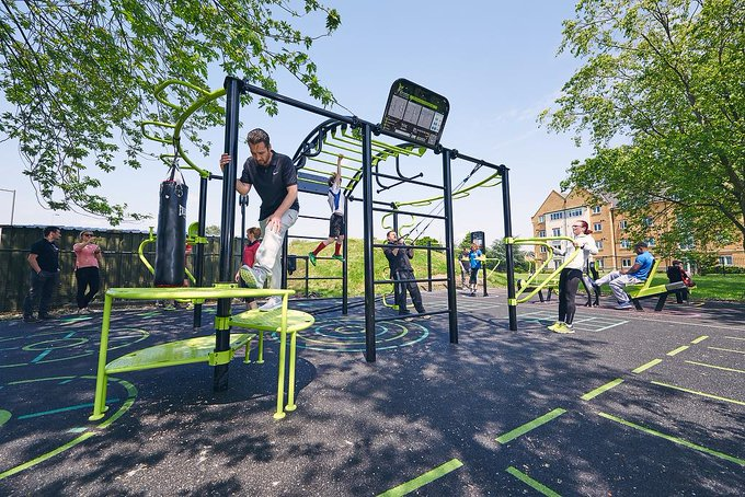 Outdoor gyms can be a great way to encourage communities to get active and wet pour can be the perfect surface as it is non-slip, porous & impact absorbent! Take a look at this gym in Hounslow! #NationalObesityAwarenessWeek Photo