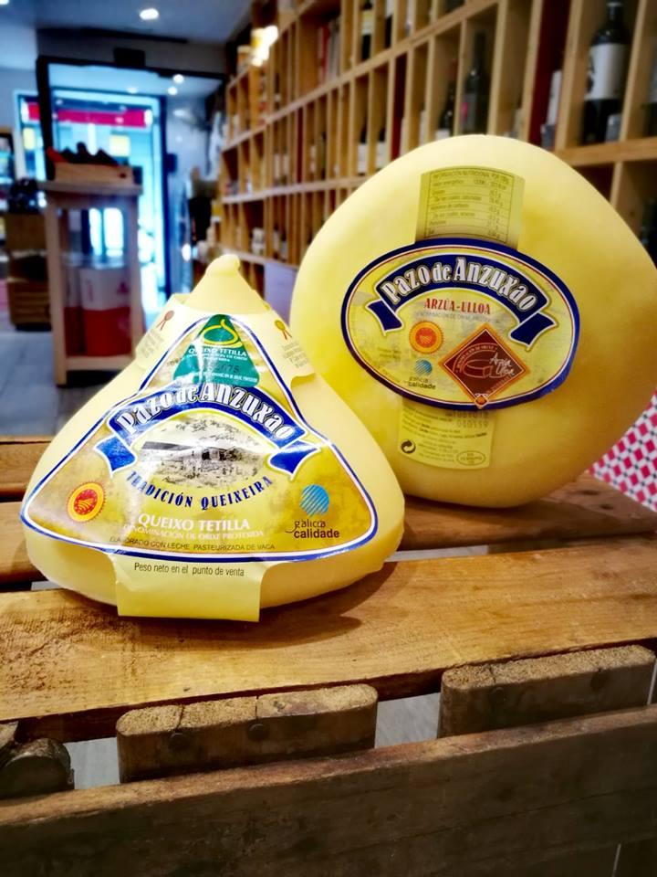- Os nosos queixos presumindo de galegos en Madrid, ben presentadiños en @tienda_pesoneto   #PazodeAnzuxao 🧀🧀 #SeédeLalínébo  - Nuestros quesos presumiendo de gallegos en Madrid, bien presentados en #Pesoneto
