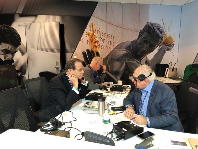 .@PaulWJR kicks off @NAIASDetroit with Chairman Bill Golling #NAIAS2019 Foto
