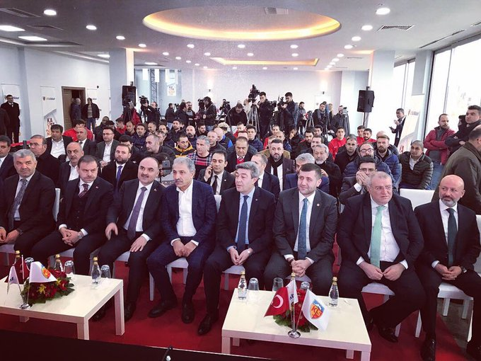 """Kayserisporumuzun """"İstikbal Mobilya"""" ile imzalamış olduğu sponsorluk anlaşmasına şahitlik ettik,Allah utandırması🙏Sevdamız Kayserispor 💛❤️ Fotoğraf"""