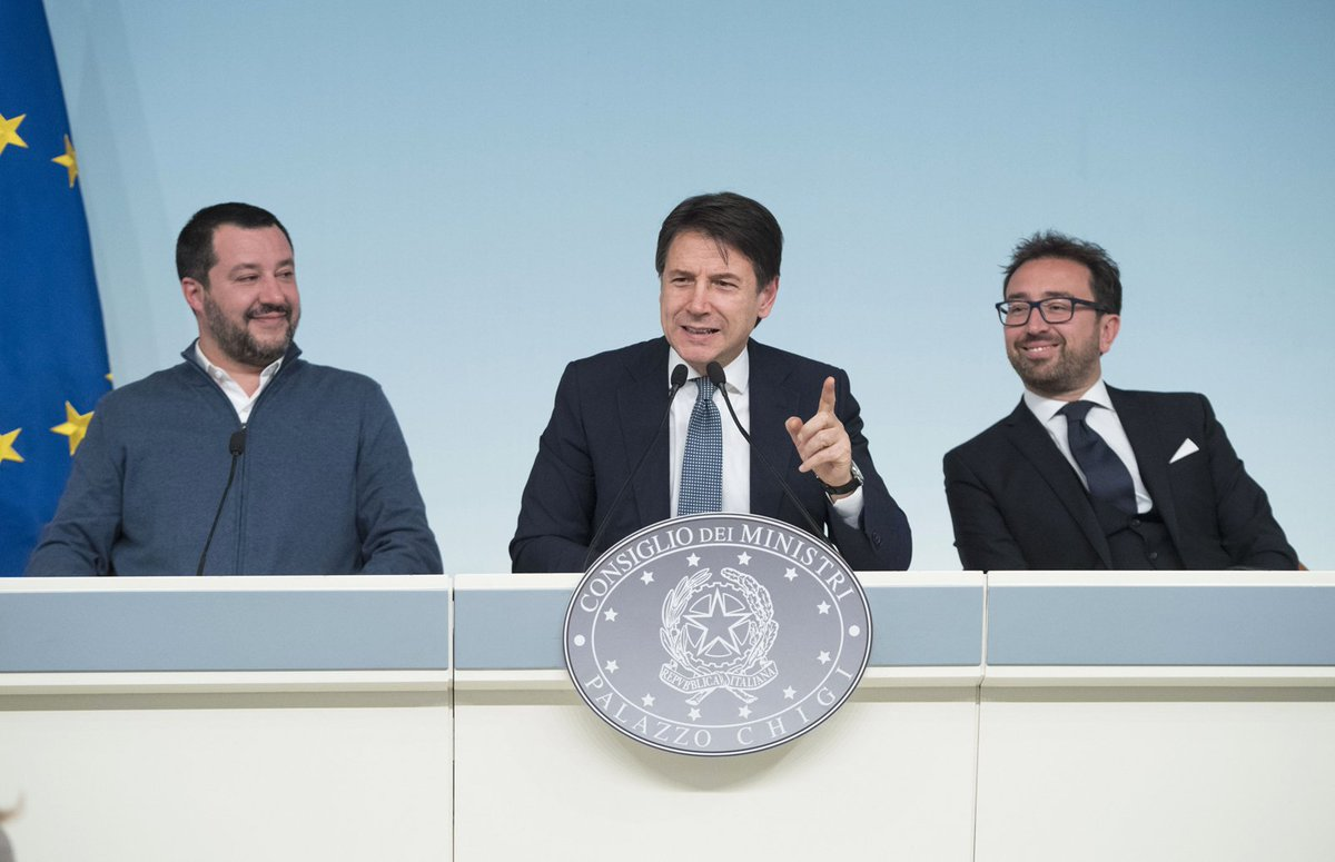 Le foto e il video della conferenza stampa con il Presidente @GiuseppeConteIT, il Vice Presidente e Ministro dell'Interno @matteosalvinimi e il Ministro della Giustizia @AlfonsoBonafede 👉 https://t.co/sx9d5zPXGQ