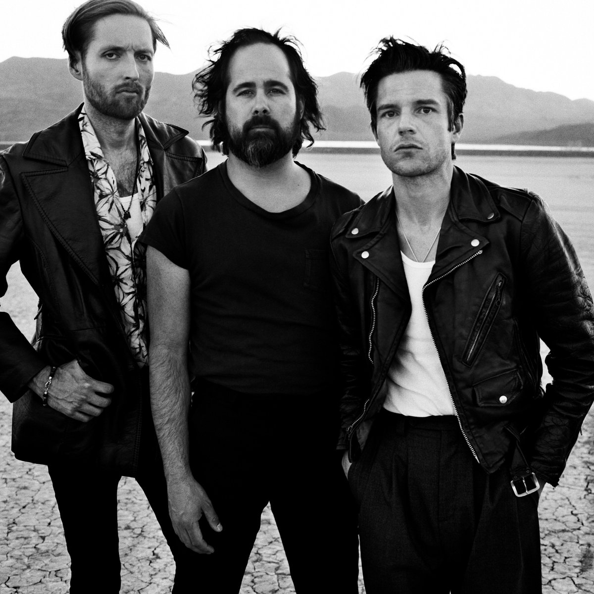 .@thekillers are taking a stand. Listen to their new song #LandOfTheFree now. https://t.co/o8iCGF0IFq