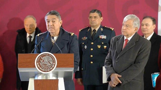 #Ahora ⚡️ | En la conferencia de prensa del presidente @lopezobrador_, el general Arturo Velázquez afirma que los seis ductos más críticos fueron intervenidos y vigilados desde el 5 de enero, con 5092 elementos de seguridad. Foto