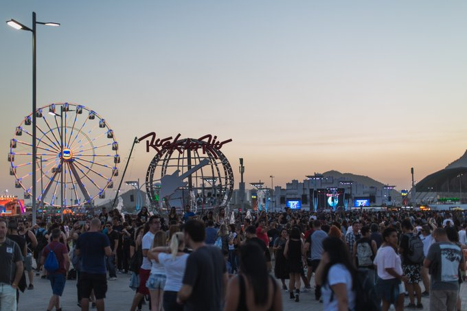 #MeuAnoComeçouTipo 2019 = #RockinRio ❤️💙 Quem também tá nessa vibe? Foto