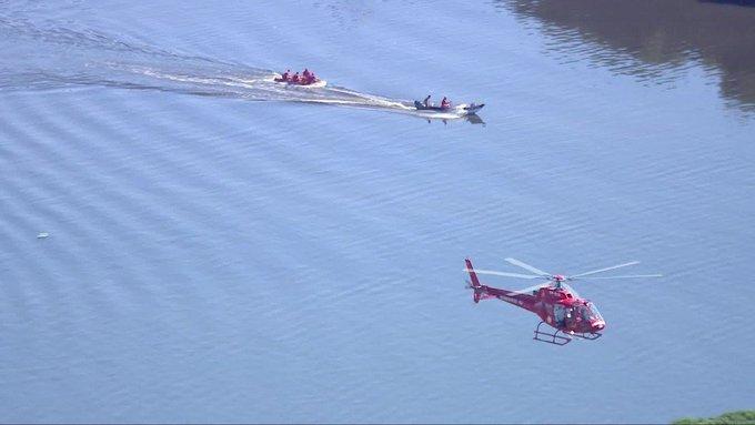 Helicóptero da PM cai na Baía de Guanabara no Rio deJaneiro Foto