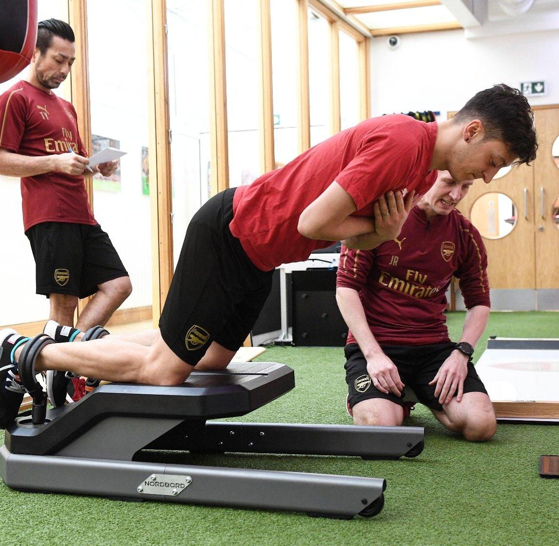 No matter what ... put in the work 💪🏼 #M1Ö #YaGunnersYa @Arsenal