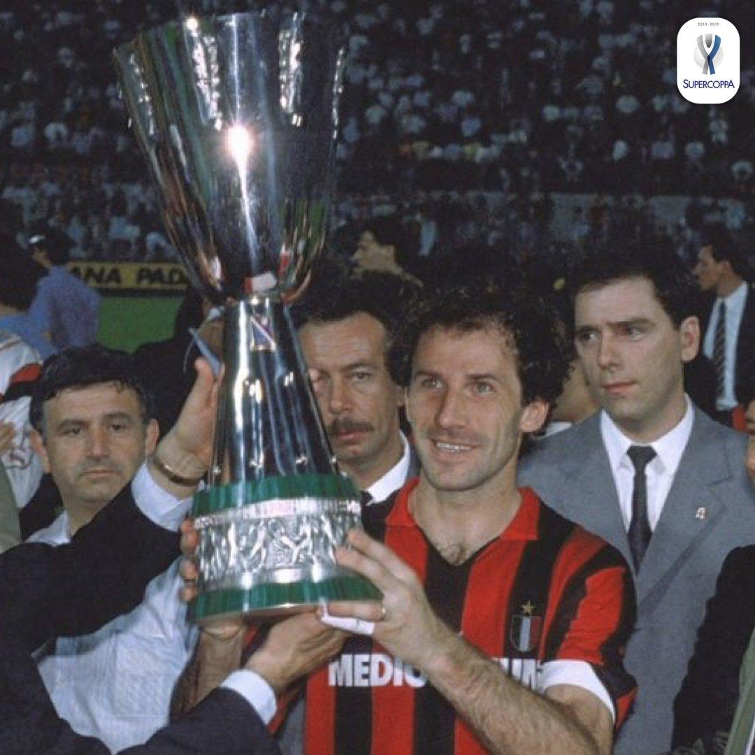 Lo sapevi che... la #supercoppa italiana fu disputata per la prima volta il  il 14 giugno 1989 e fu il @acmilan ad aggiudicarsi la prima edizione del trofeo! 🧐  // Did you know that... the #supercoppa was first played on June 14 1989 and it was won by @acmilan!